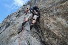 spigolo-sud-pilastro-della-plote-klettern-02-SL1-Einstieg
